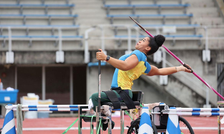 Raíssa Machado leva prata no lançamento de dardo em Tóquio