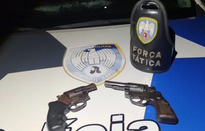 Release 036.2 400x255 - PM RECUPERA VEÍCULOS ROUBADOS, APREENDE DUAS ARMAS DE FOGO E DETÉM UM DOS ASSALTANTES EM PIÚMA