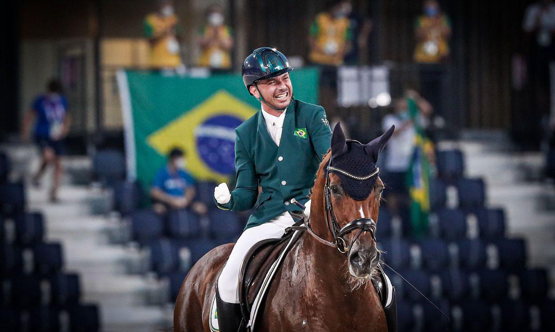 Rodolpho Riskalla é prata no hipismo adestramento na Paralimpíada