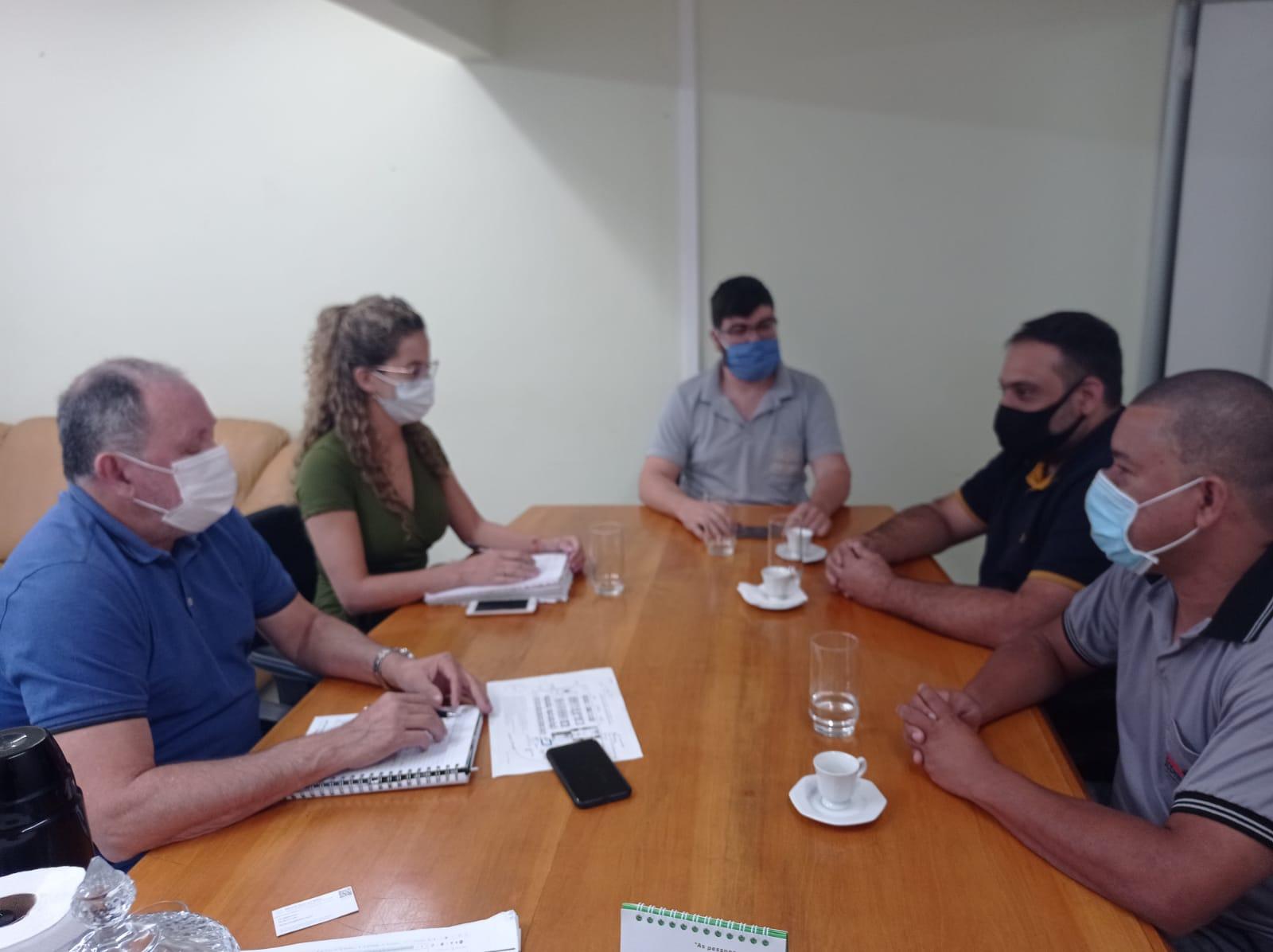 Associação comercial de Iconha visita secretaria de desenvolvimento de Cachoeiro em busca apoio para realizar feira de negócios no município