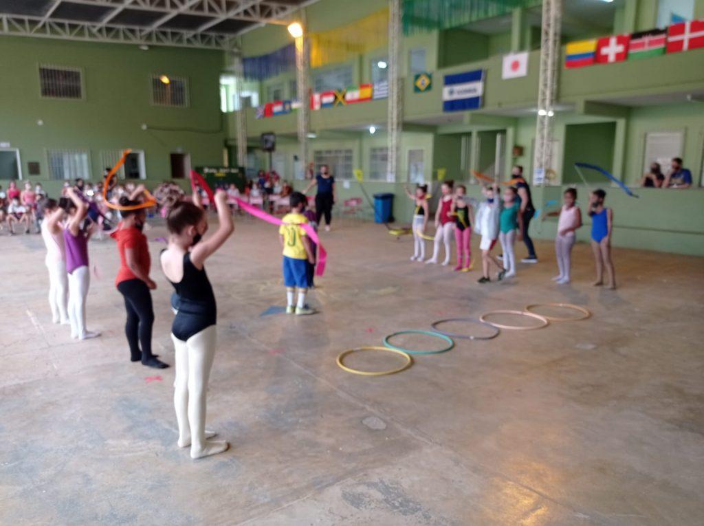 WhatsApp Image 2021 08 12 at 19.47.16 1 1024x765 - Escola de Iconha realiza prática esportiva com alunos da Educação Infantil
