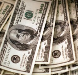 dolar 1 250x242 - Dólar bate em R$ 5,27, mas termina dia vendido a R$ 5,19