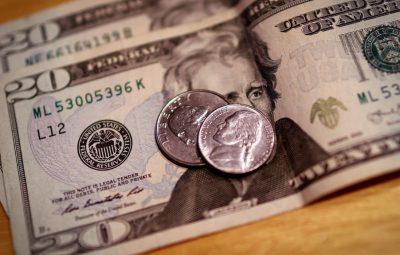 dolar 2 400x255 - Dólar cai para R$ 5,19 após Fed indicar que manterá estímulos