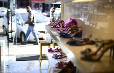 gdf libera funcionamento de lojas de roupas e sapatos0518203133 400x255 - MEIs podem regularizar impostos em atraso até o dia 31