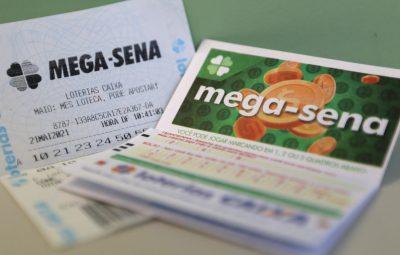 mega 2 400x255 - Ninguém acerta a Mega-Sena e prêmio acumula em R$ 6,5 milhões