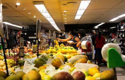 supermercado 400x255 - Com inflação, brasileiro já está comprando menos, mas gastando mais