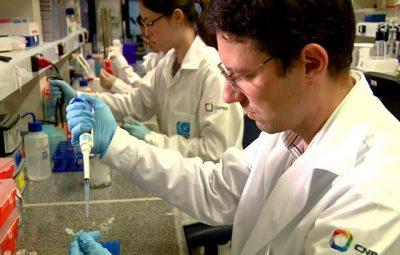 pesquisador marcio chaim bajgelman do lnbio trabalha no desenvolvimento de vacina contra o cancer 400x255 - Vacina contra o câncer de pele desenvolvida no Brasil é testada com sucesso em cobaias, diz estudo