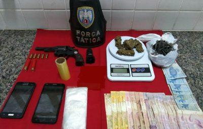 Foto Release 086 2018 a 400x255 - POLÍCIA MILITAR APREENDE ARMA DE FOGO E ENTORPECENTES EM ANCHIETA E PIÚMA