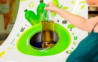 oleo 400x255 - Anchieta descartou adequadamente mais de 51 mil litros de óleo de cozinha usado entre 2012 e 2018