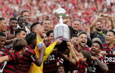 flamengo 400x255 - Torcedores do Flamengo revivem emoção do bi na Libertadores de 2019