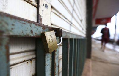 comercio fechado lockdown mcamgo abr 010320211818 6 0 400x255 - DF: para algumas categorias, lockdown pode durar menos de 15 dias