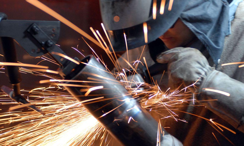 Produtividade na indústria cai 2,5% no primeiro trimestre, diz CNI