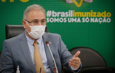 Marcelo Queiroga 400x255 - Avião com 1,5 milhão de doses da Janssen chega amanhã, diz ministro