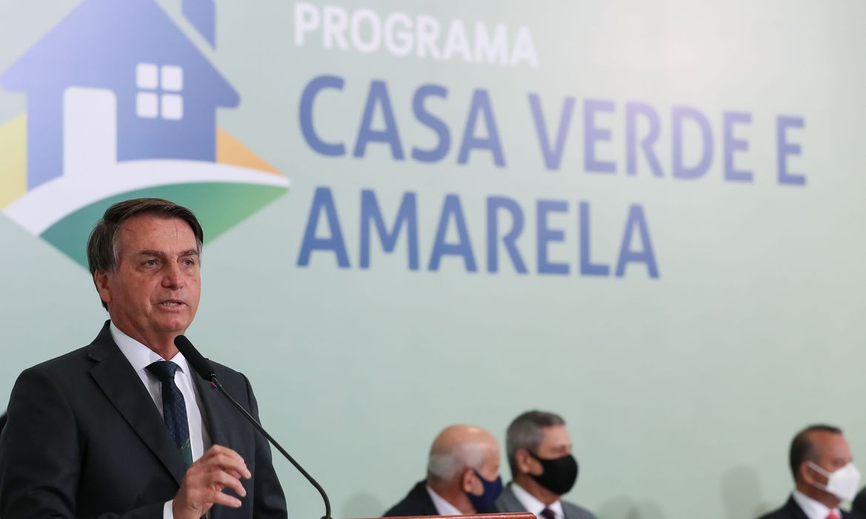 Durante entrega de casas, Bolsonaro defende uso de hidroxicloroquina