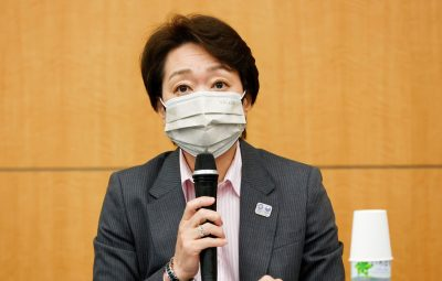 """seiko haschimoto comite toquio 2020 400x255 - Tóquio 2020 não insistirá em espectadores """"a qualquer preço"""""""