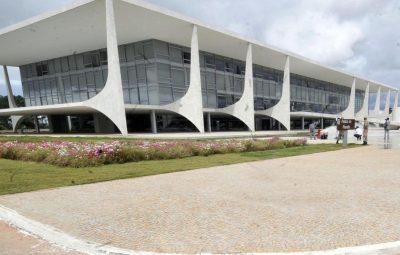 MP que facilita abertura de empresas e sancionada por Bolsonaro 400x255 - MP que facilita abertura de empresas é sancionada por Bolsonaro
