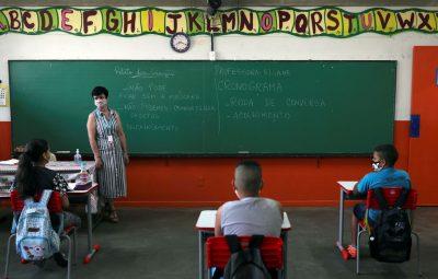 volta as aulas 400x255 - Covid-19: escolas reiniciam ensino presencial em nove estados